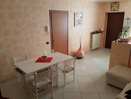 Appartamento in vendita a Gambolò, 3 locali, prezzo € 125.000 | Cambio Casa.it