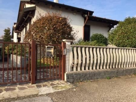 Villa in vendita a Gambolò, 6 locali, prezzo € 250.000 | Cambio Casa.it