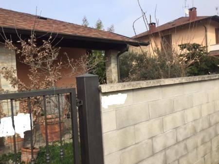 Villa Bifamiliare in vendita a Gambolò, 3 locali, prezzo € 165.000 | CambioCasa.it