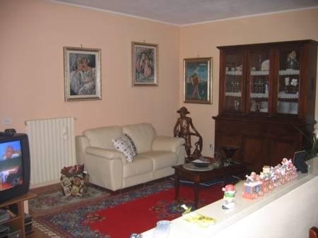 Villa Bifamiliare in vendita a Gambolò, 3 locali, prezzo € 160.000 | Cambio Casa.it