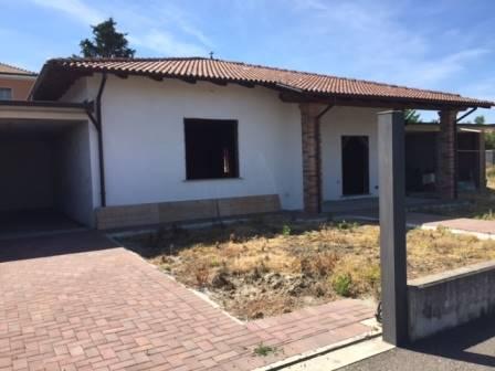 Villa in vendita a Mortara, 4 locali, prezzo € 180.000 | CambioCasa.it