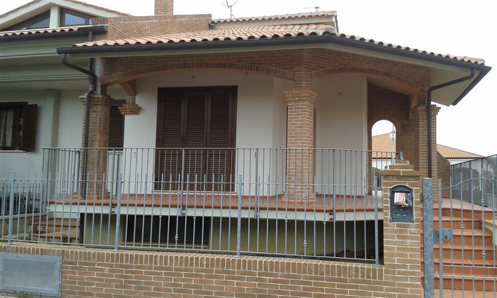Villa Bifamiliare in Vendita a Follonica