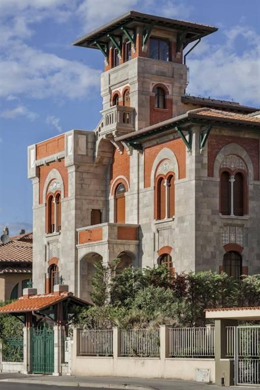 Villa in vendita a Viareggio, 12 locali, Trattative riservate | CambioCasa.it