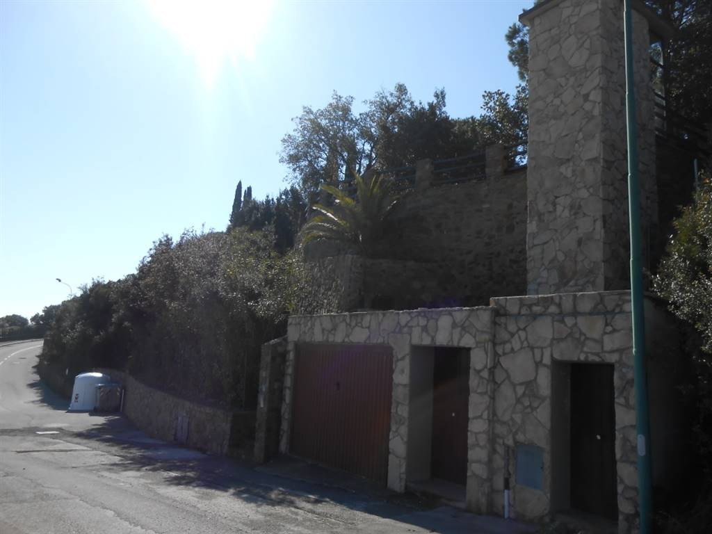 Villa in vendita a Castiglione della Pescaia, 6 locali, zona Località: CASTIGLIONE DELLA PESCAIA, prezzo € 800.000 | CambioCasa.it