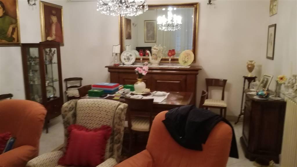 Soluzione Indipendente in vendita a Follonica, 8 locali, prezzo € 700.000 | CambioCasa.it