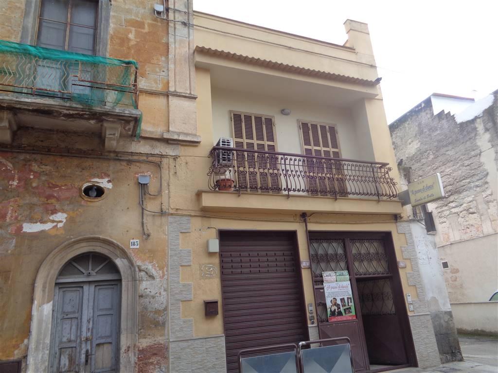 Attività commerciale Bilocale in Affitto a Valenzano