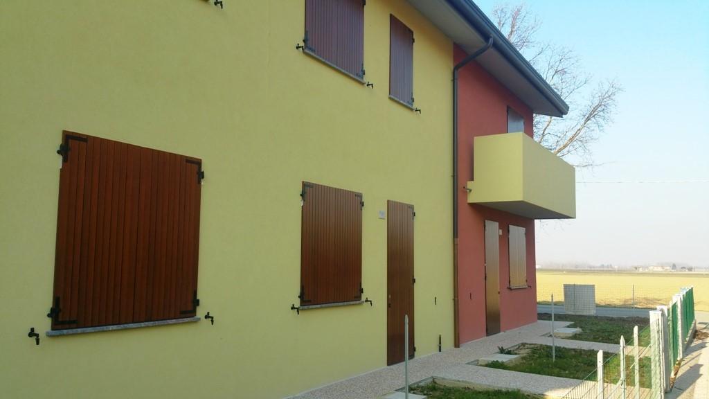 Villa-Villetta  in Affitto a Imola