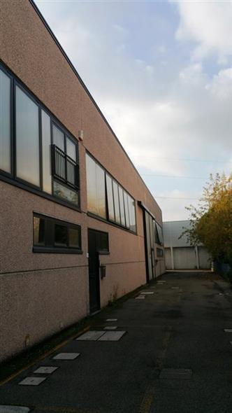Laboratorio in vendita a Imola, 3 locali, zona Zona: Zona industriale, prezzo € 140.000 | Cambio Casa.it