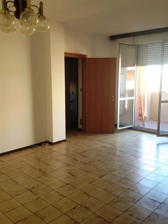 Appartamento in vendita a Imola, 5 locali, zona Zona: Pedagna Ovest, prezzo € 110.000 | Cambio Casa.it