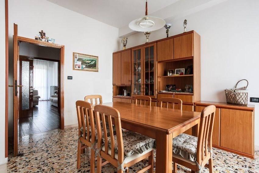 Appartamento in vendita a Imola, 5 locali, prezzo € 168.000 | Cambio Casa.it