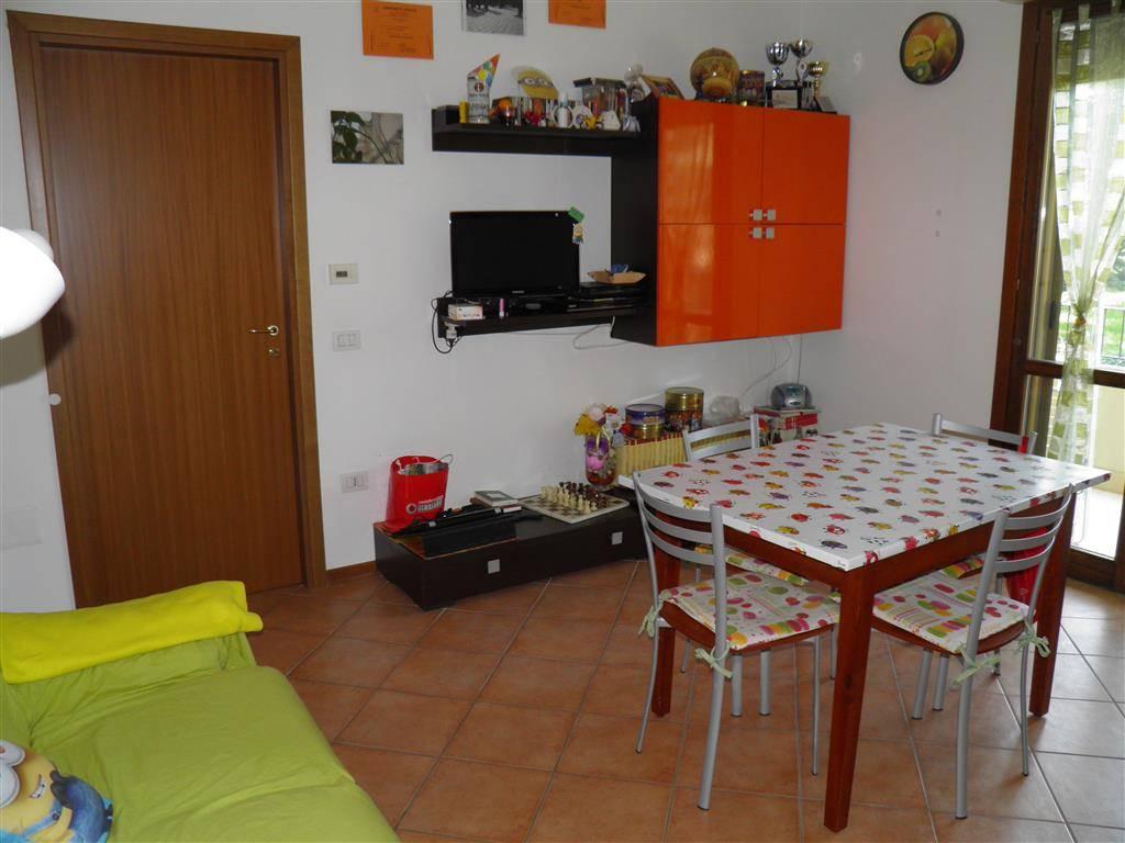 Appartamento in vendita a Castel Bolognese, 3 locali, prezzo € 95.000   Cambio Casa.it