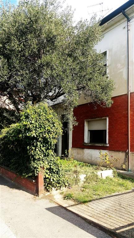 Villa Bifamiliare in vendita a Imola, 3 locali, zona Zona: Pedagna Est, prezzo € 200.000 | Cambio Casa.it