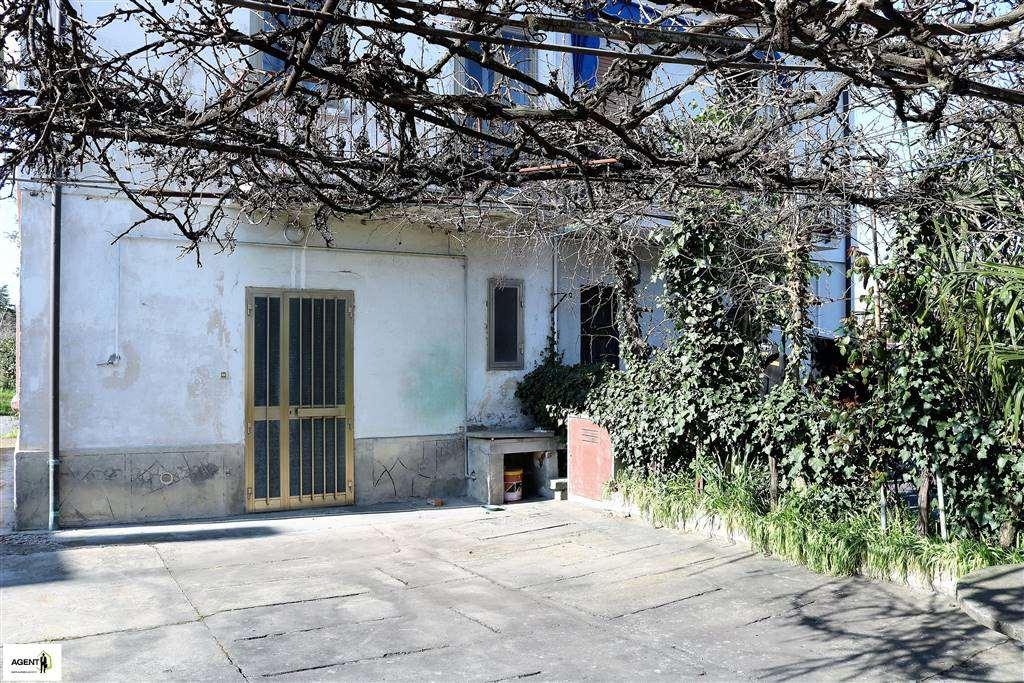 Villa Bifamiliare in Vendita a Imola