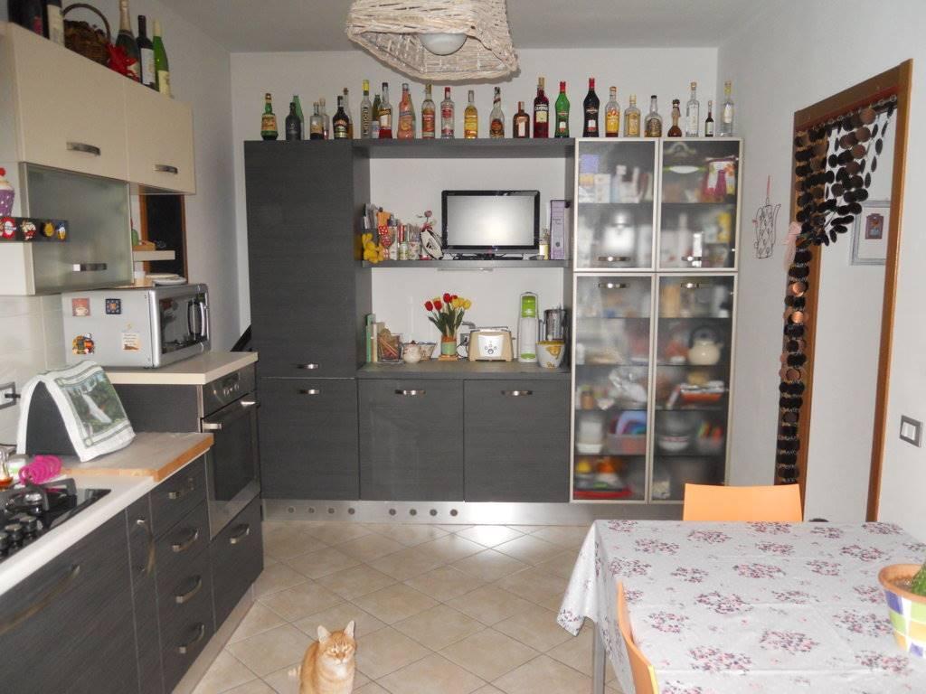 Appartamento in vendita a Imola, 4 locali, zona Zona: Zello - Selva, prezzo € 165.000 | Cambio Casa.it
