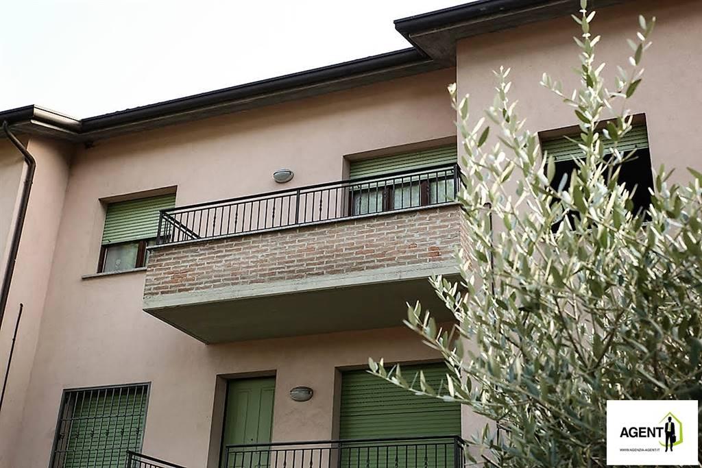 Appartamento in vendita a Riolo Terme, 3 locali, prezzo € 87.000   Cambio Casa.it