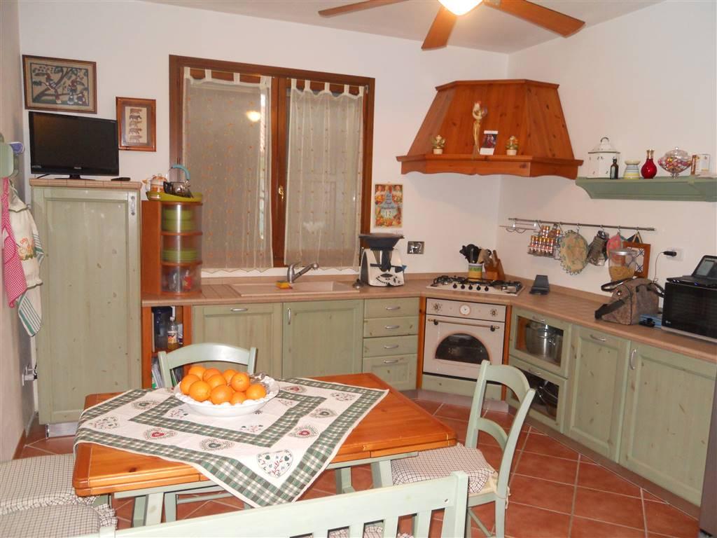 Soluzione Indipendente in vendita a Borgo Tossignano, 6 locali, zona Zona: Codrignano, prezzo € 180.000 | Cambio Casa.it
