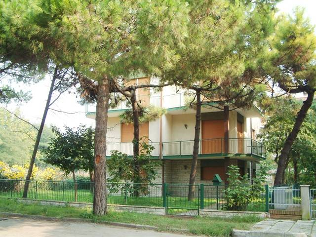 Soluzione Indipendente in vendita a Cervia - Milano Marittima, 15 locali, prezzo € 650.000 | Cambio Casa.it