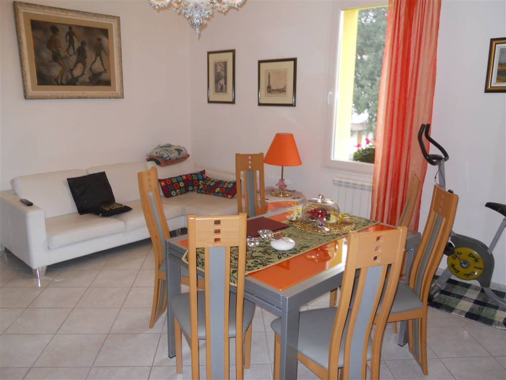 Soluzione Indipendente in vendita a Imola, 10 locali, zona Zona: Villaggio, prezzo € 490.000 | Cambio Casa.it