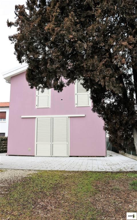 Villa Bifamiliare in vendita a Bagnacavallo, 7 locali, prezzo € 210.000 | Cambio Casa.it