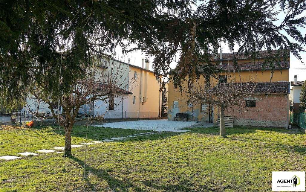 Soluzione Indipendente in vendita a Massa Lombarda, 6 locali, prezzo € 115.000 | Cambio Casa.it