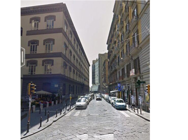 Negozio a Napoli