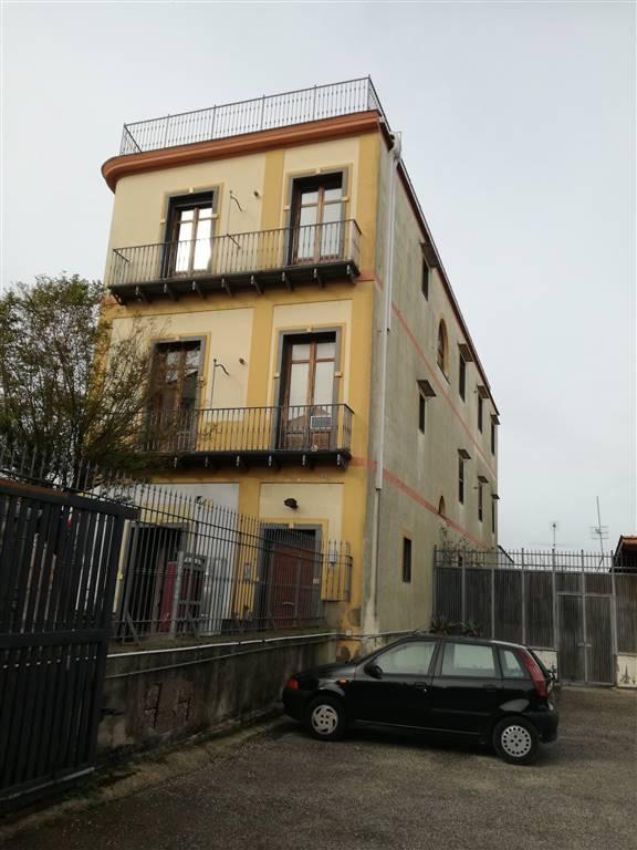 Palazzo-stabile Affitto Napoli