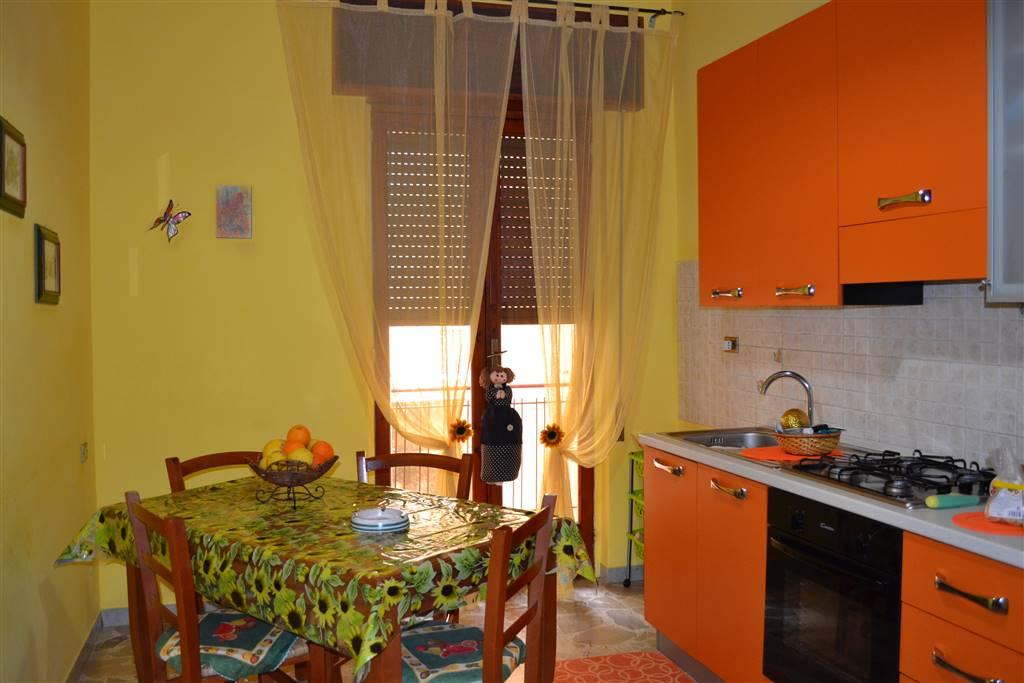 Appartamento in vendita a Sciacca, 5 locali, prezzo € 100.000   CambioCasa.it