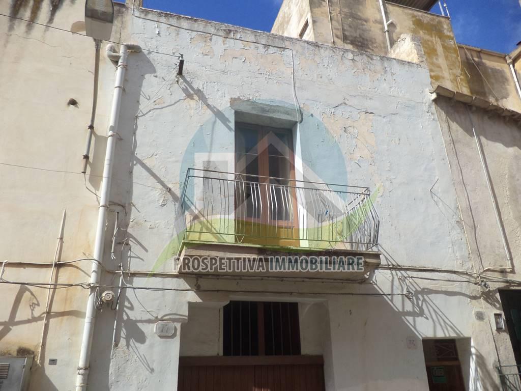 Soluzione Indipendente in vendita a Sciacca, 8 locali, prezzo € 150.000   Cambio Casa.it