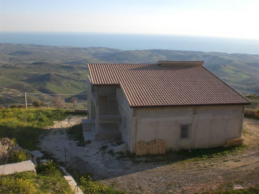 Villa in vendita a Caltabellotta, 12 locali, prezzo € 250.000 | CambioCasa.it