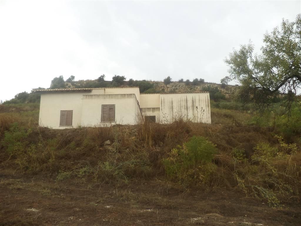 Rustico / Casale in vendita a Santa Margherita di Belice, 9 locali, prezzo € 180.000 | CambioCasa.it