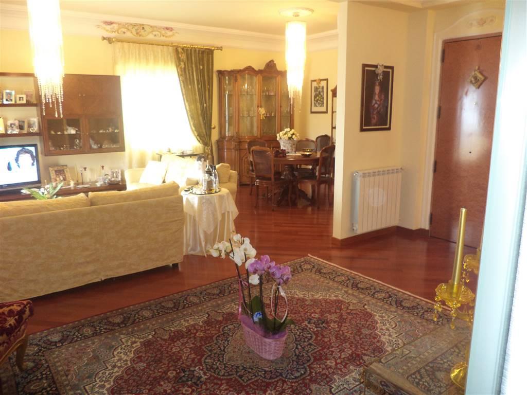 Appartamento in vendita a Sciacca, 7 locali, prezzo € 250.000   CambioCasa.it