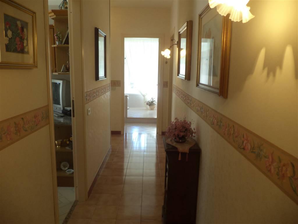 Appartamento in vendita a Sciacca, 7 locali, zona Località: PERRIERA, prezzo € 170.000   CambioCasa.it