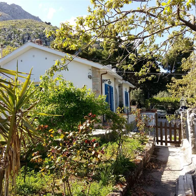 Villa in vendita a Piana degli Albanesi, 7 locali, prezzo € 240.000 | CambioCasa.it