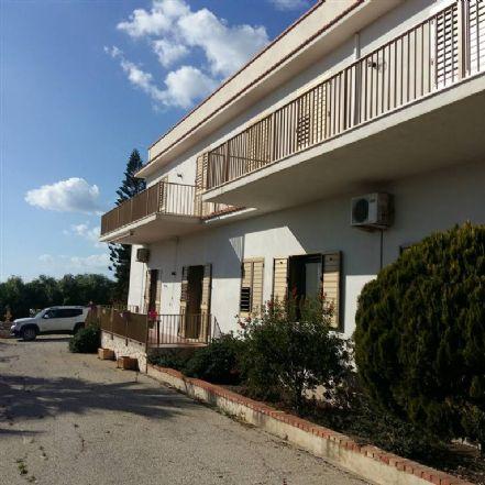 Villa in vendita a Sciacca, 18 locali, prezzo € 570.000 | CambioCasa.it