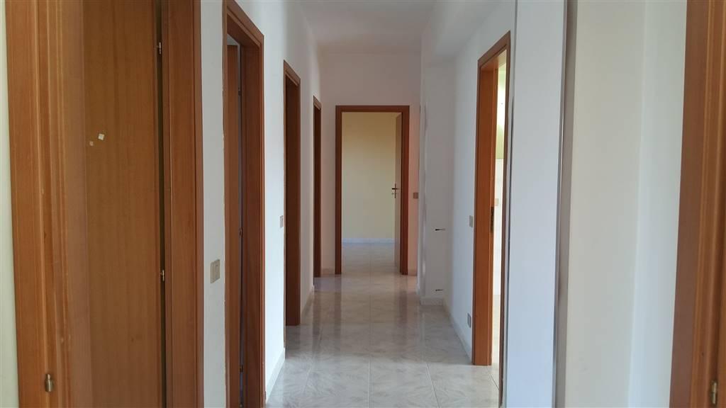 Appartamento in vendita a Sciacca, 6 locali, zona Località: FERRARO, prezzo € 150.000 | CambioCasa.it