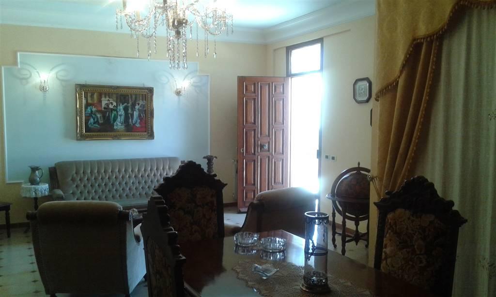 Villa in vendita a Sciacca, 8 locali, prezzo € 250.000 | CambioCasa.it
