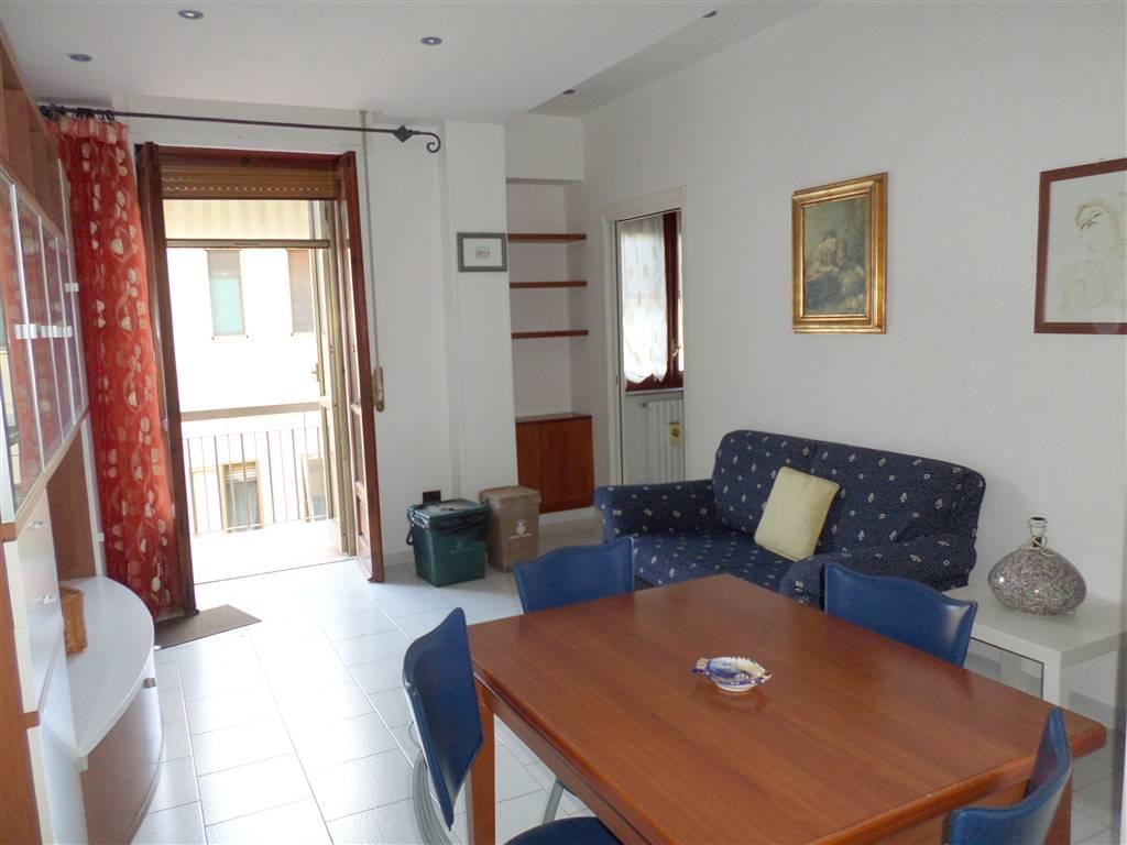 Appartamento in affitto a Salerno, 2 locali, zona Zona: Torrione, prezzo € 600 | CambioCasa.it