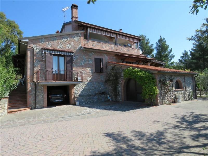 Villa in vendita a Riparbella, 8 locali, prezzo € 380.000 | Cambio Casa.it