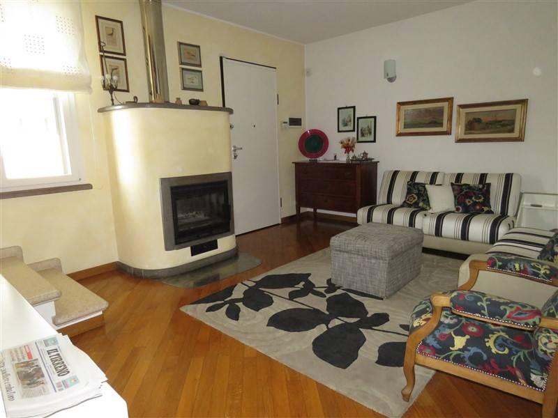 Villa in vendita a Cecina, 5 locali, prezzo € 380.000 | CambioCasa.it