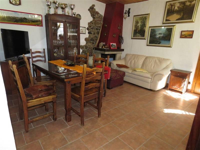 Appartamento in vendita a Riparbella, 4 locali, prezzo € 135.000 | Cambio Casa.it