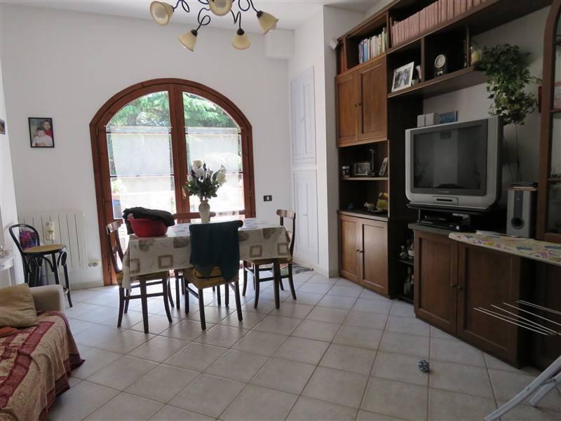 Appartamento in vendita a Riparbella, 6 locali, prezzo € 180.000 | Cambio Casa.it
