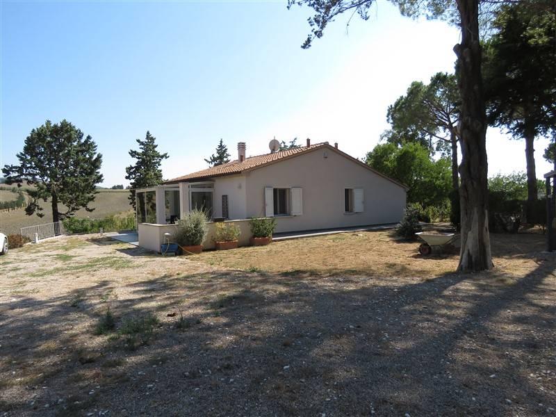 Villa in vendita a Bibbona, 7 locali, prezzo € 550.000 | Cambio Casa.it