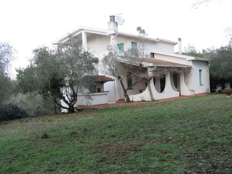 Villa in vendita a Montescudaio, 8 locali, prezzo € 395.000 | CambioCasa.it