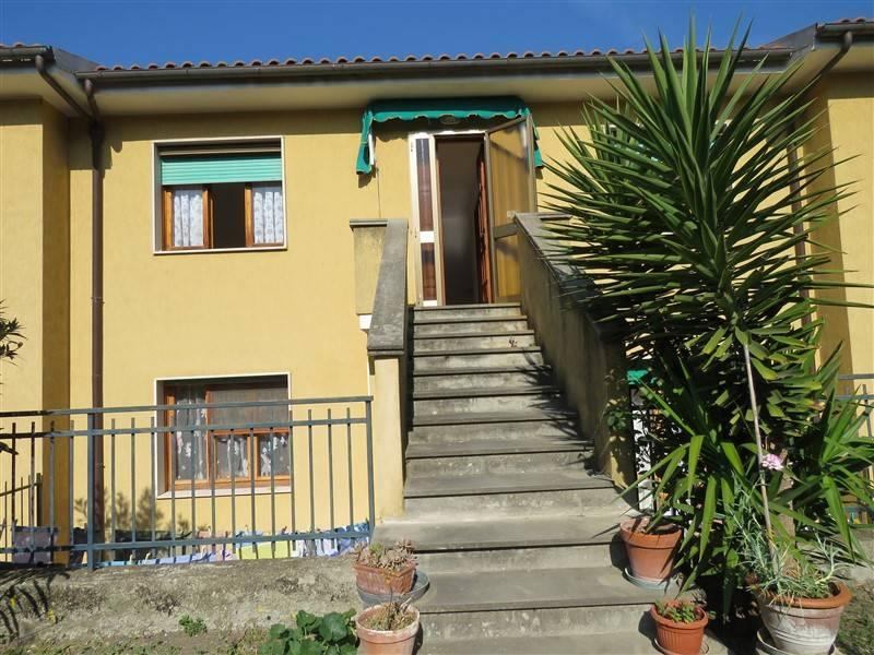 Appartamento in vendita a Riparbella, 4 locali, prezzo € 140.000 | CambioCasa.it
