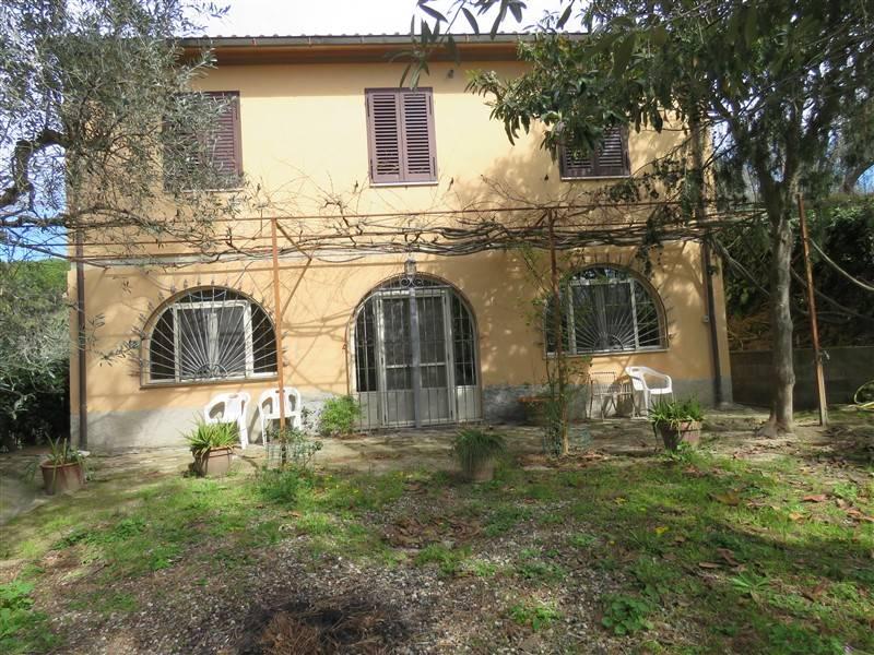 Villa in Vendita a Riparbella