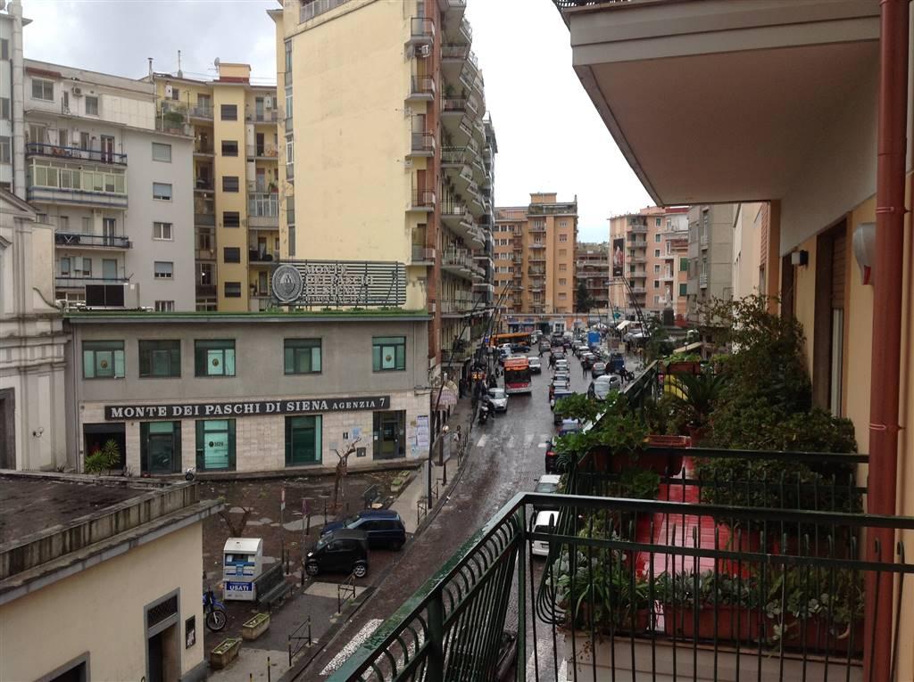 Appartamento in Via G.gigante, Vomero, Napoli