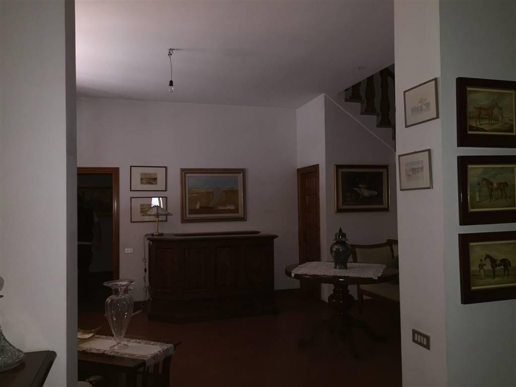 Villa in vendita a Calenzano, 11 locali, prezzo € 870.000 | CambioCasa.it