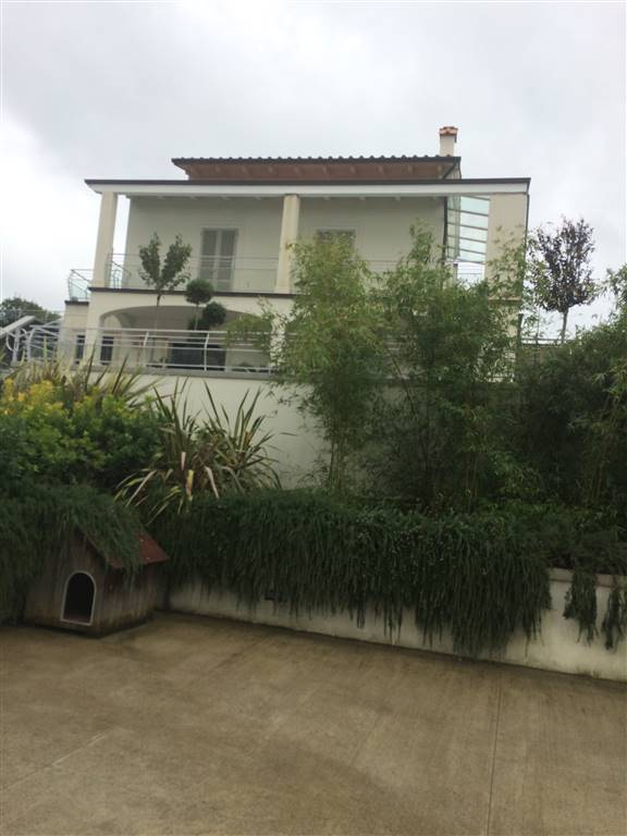 Villa in vendita a Poggio a Caiano, 10 locali, Trattative riservate | CambioCasa.it