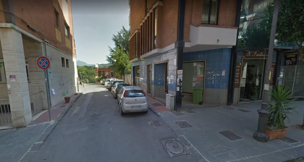 negozio  in Affitto a Avellino