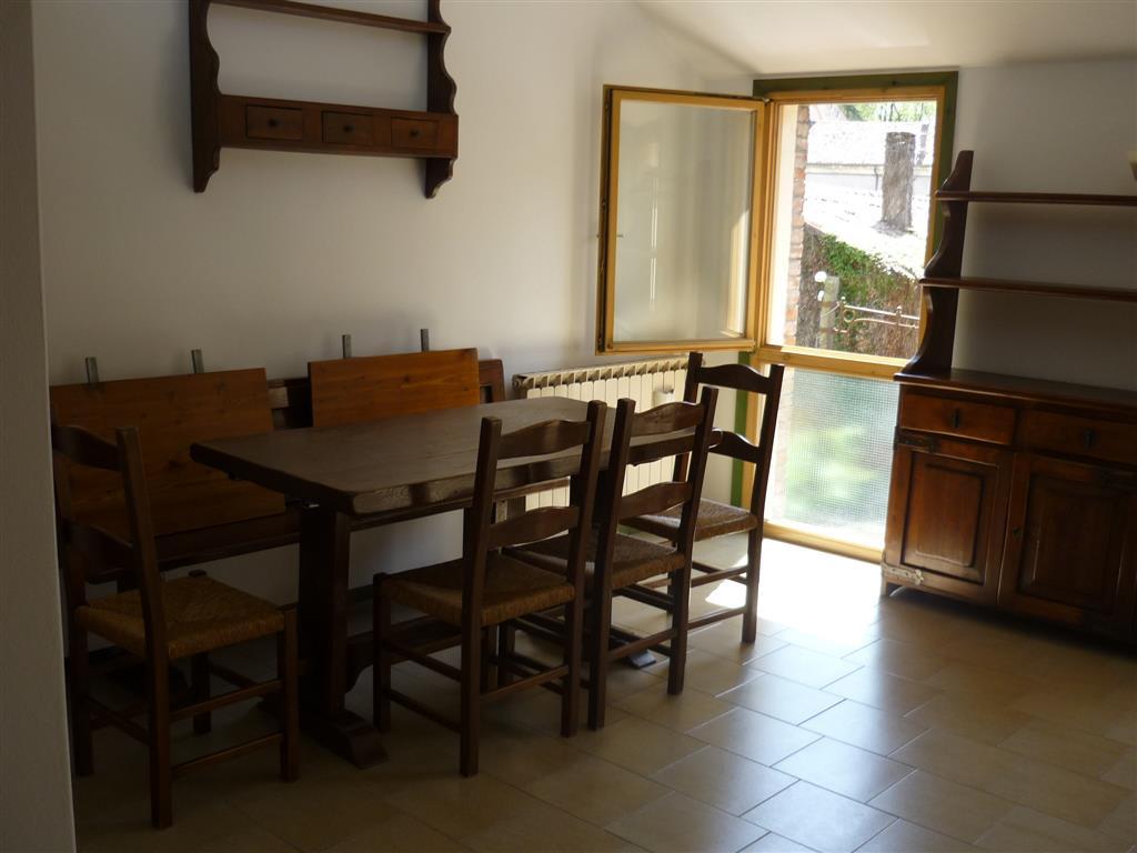 Soluzione Indipendente in affitto a Fratta Polesine, 5 locali, prezzo € 400 | Cambio Casa.it